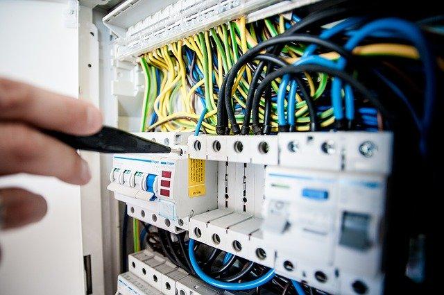 electric-1080584_640